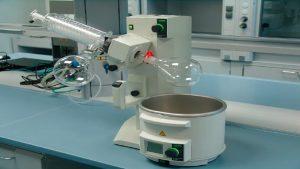 Un rotavapor permite unha eliminación rápida e sinxela dos disolventes
